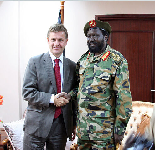 File:Salva Kiir and Erik Solheim-1, by Stein Ove Korneliussen.jpg