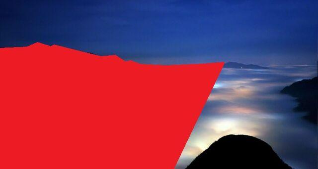 File:PetronasTwinTower lasers 10.jpg