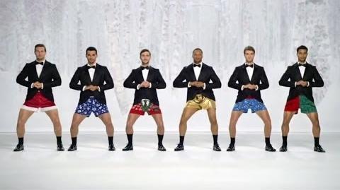 `Show Your Joe´ Kmart Commercial Boxer Christmas `Jingle Bells´ HD