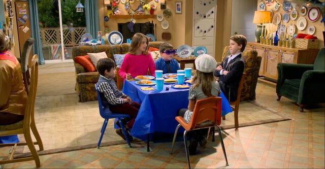 File:Bernie Schotz at the Kids Table.jpg