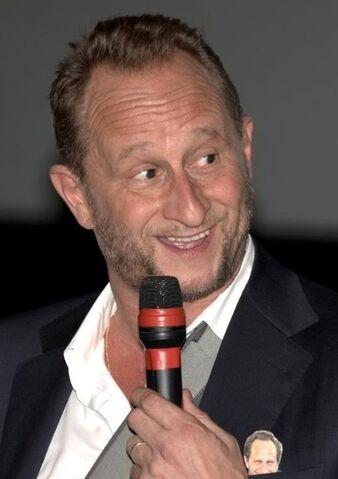 File:Benoît Poelvoorde in 2013.jpg