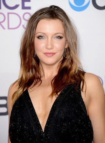 File:Katie Cassidy in 2013.jpg