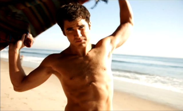 File:DarrenSexy16.png