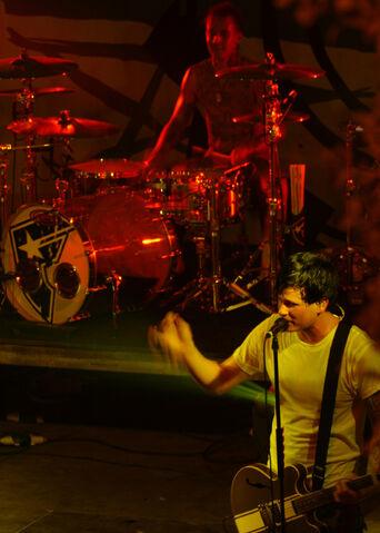 File:Blink-182 Bahrain.jpg