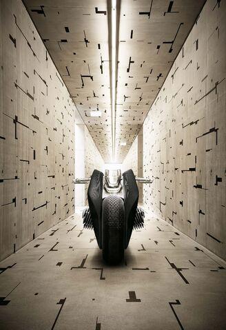 File:BMW Motorrad Vision Next 100-08.jpg