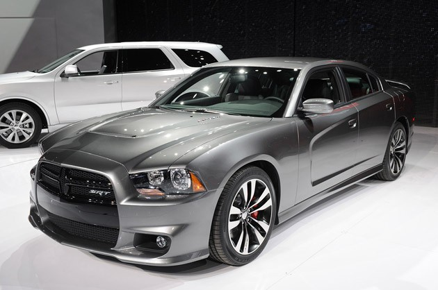 File:2012-dodge-charger-srt8.jpg