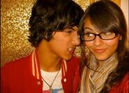 Avan-and-Victoria-beck-and-tori-17915850-483-346