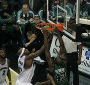 Kendrick Perkins dunk
