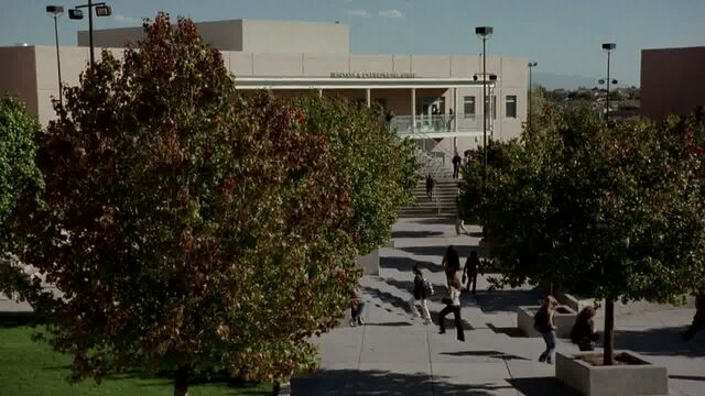 File:1x04 - The high school.jpg