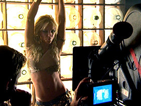 File:Britney Spears in The Set of Her Music Video I'm A Slave 4 U.jpg