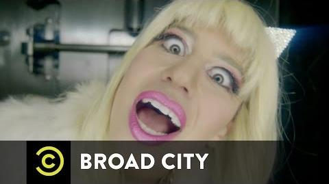 Broad City - Eight F**king Thousand Dollars