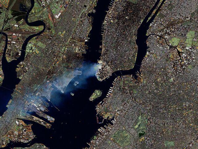 File:Manhattan on September 12 - Landsat7.jpg