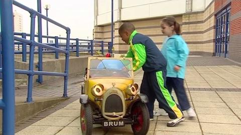 Brum 406 - RAMPANT ROBOT - Kids Show Full Episode