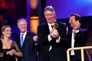 """The Max Steiner Film Music Achievement Award is presented to Alan Silvestri at the gala concert """"Hollywood in Vienna"""