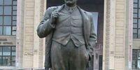 Statuia lui Ion Luca Caragiale
