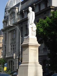 Statuia lui Spiru Haret