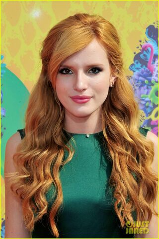 File:Bella Thorne.jpg
