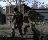 MacMillan attacking enemy CoD4