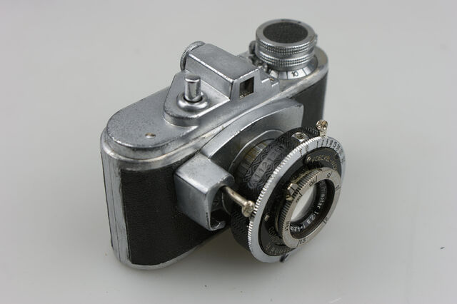 File:Photavit II Meyer Primotar f2,8-42,5mm Compur 5.jpg