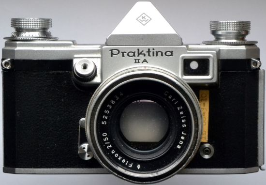 File:Praktina2A MM16front.jpg
