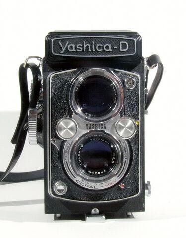 File:Yashica-D 01.jpg