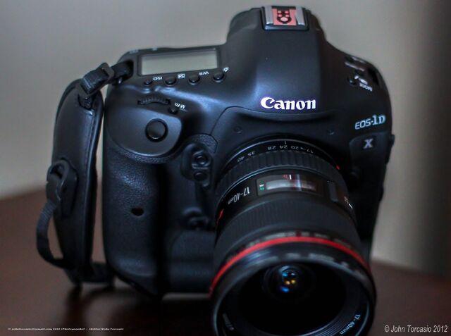 File:Canon EOS 1D X.jpeg