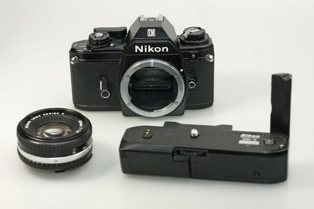 File:Nikon EM 09 DxO.jpg