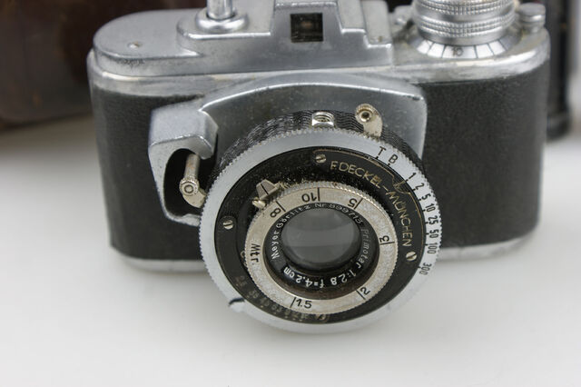 File:Photavit II Meyer Primotar f2,8-42,5mm Compur 2.jpg