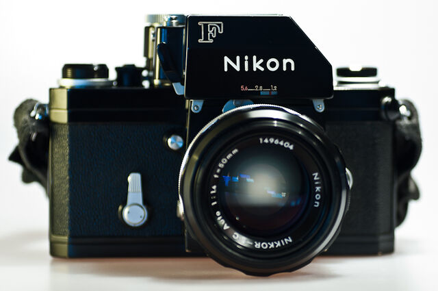 File:NikonF.jpg