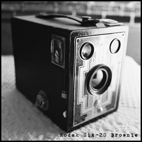 File:Six-20 brownie cam 001.jpg