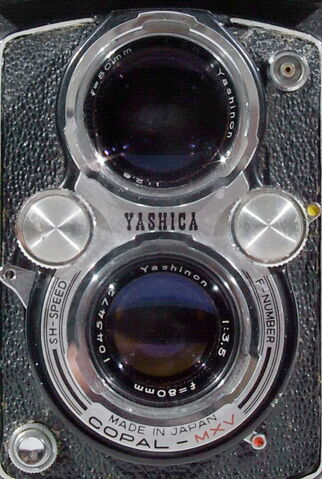 File:Yashica-D 02.jpg
