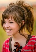 Lindsey-Stirling-Beauty-Full-HD-Wallpaper kindlephoto-33877942