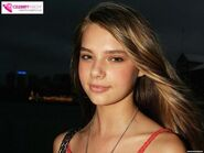 Indiana-evans-cute-close-up-1730008813