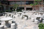 Outdoor-Cafeteria-782371