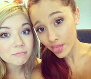 Ariana-And-Jennette