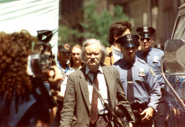 File:Dana Beal 1994 marijuana march.jpg