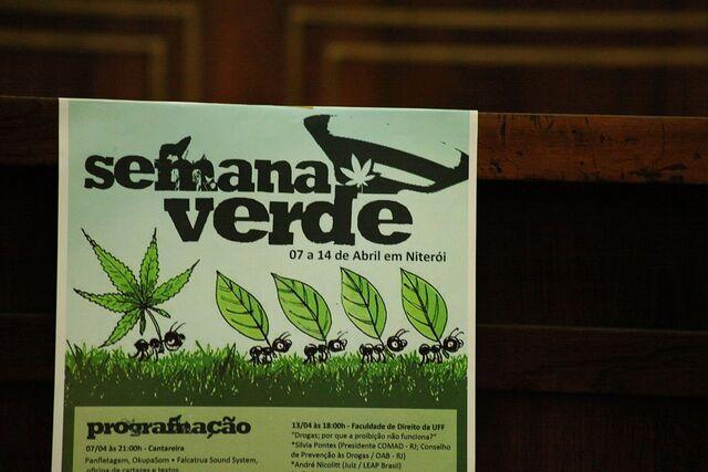 File:Niteroi 2011 April 7-14 Brazil 2.jpg