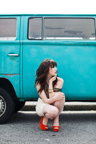 File:Carly in Front of Van.jpg
