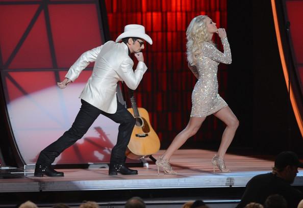 File:Carrie+Underwood+Dresses+Skirts+Beaded+Dress+ojFDkssJHi5l.jpg