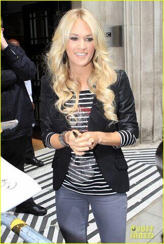 File:Carrie-underwood-loves-london-03.jpg