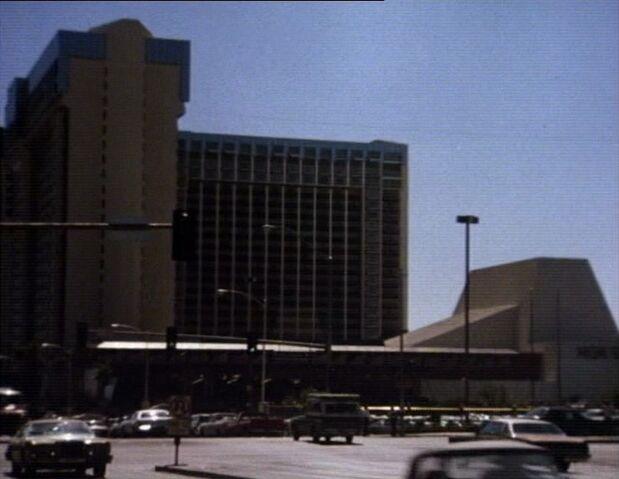 File:Las Vegas hotel2.jpg