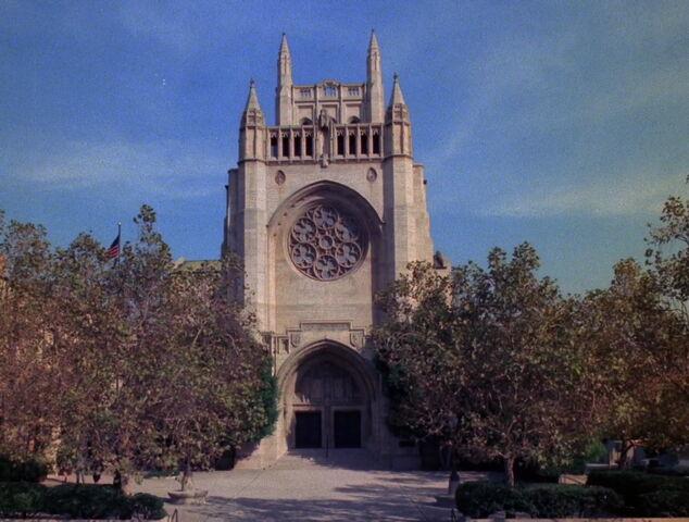 File:Carrington Chapel.jpg