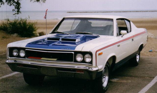 File:1970 AMC The Machine 2-door muscle car in RWB trim by lake-1-.jpg