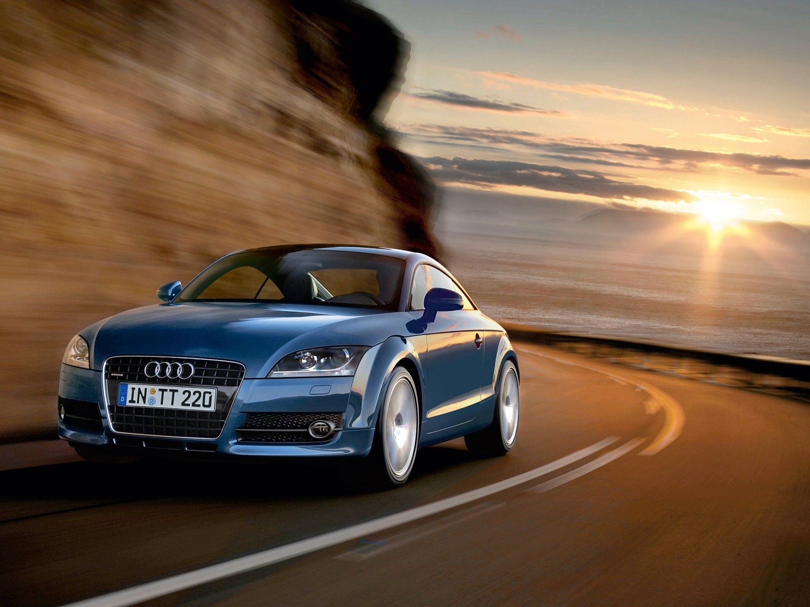 Audi 105-1-