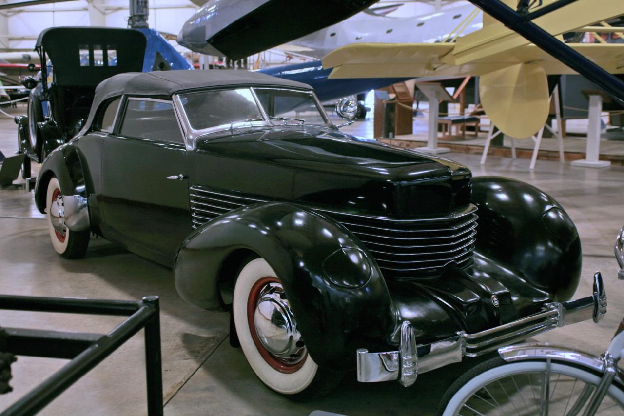 1936 Cord 810 Phaeton (2835393420)-1-