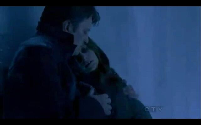 File:Castle and Beckett trapped in the freezer.jpg