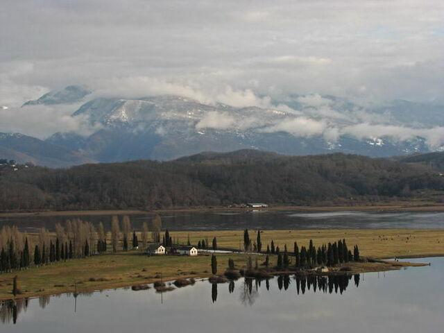 File:Ridge view from pitsunda cape.jpg