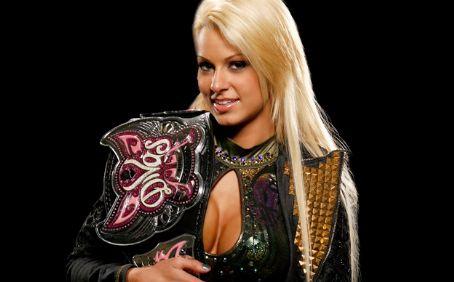 File:CWA Divas Champion Maryse.jpg