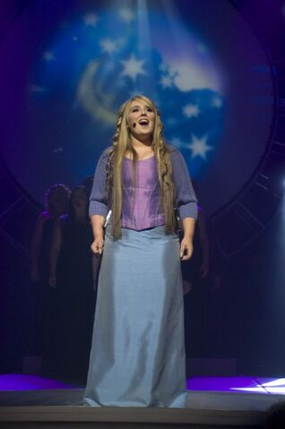 File:Chloë Agnew performs ''Someday''.jpg