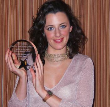 File:Deirdre Shannon with her award.jpg